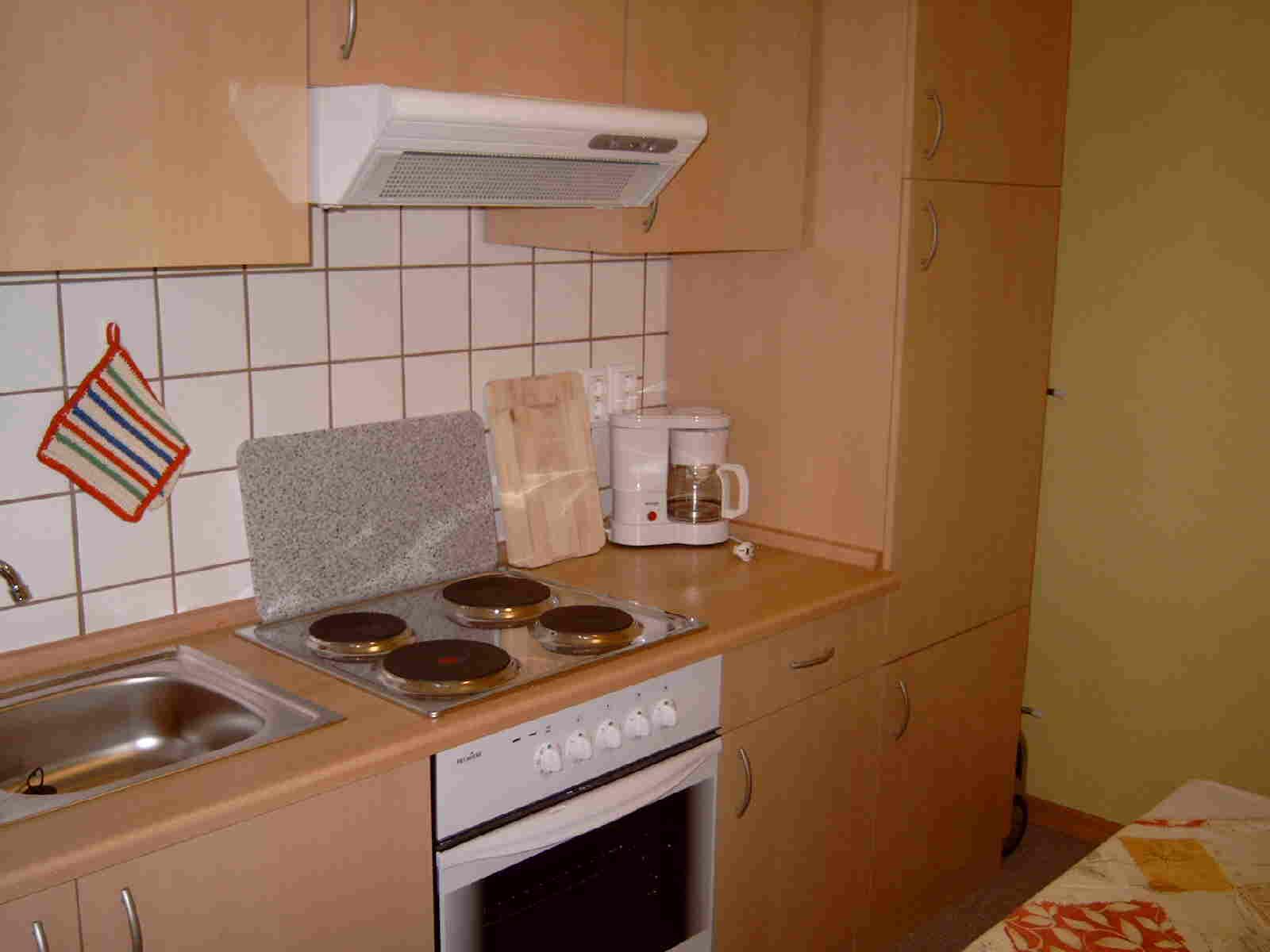 Dunstabzugshaube Kleine Küche esseryaad.info Finden Sie Tausende ...